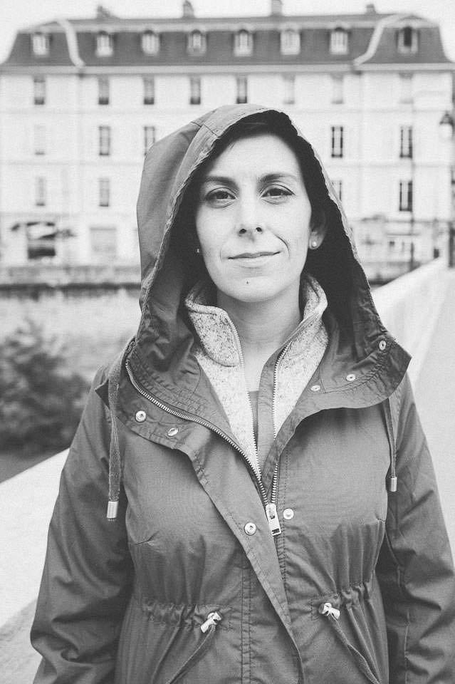photo numérique nikon d700 d'elle au pied de la Bastille à Grenoble